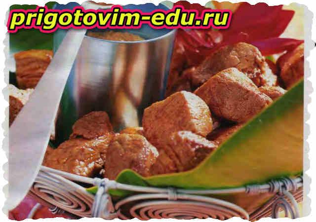 Свиное филе с арахисовым соусом