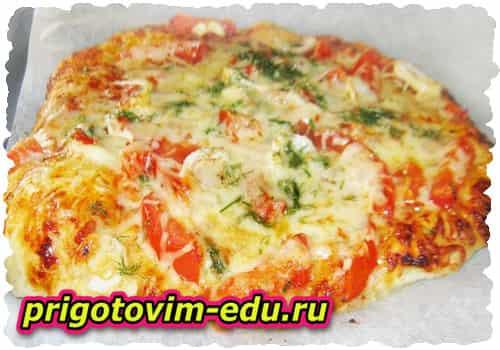 Пицца с колбасой и лечо