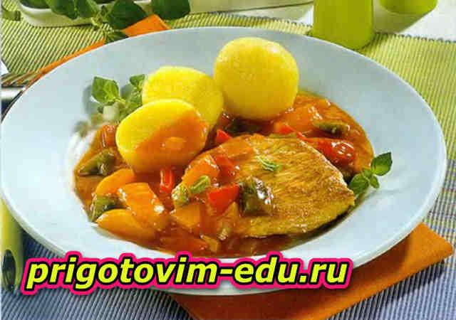 Шницель по-московски с болгарским перцем