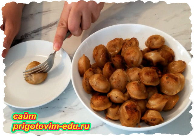 Жареные вареники с креветками