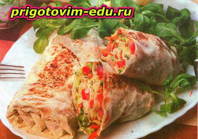 Закуска из лаваша с овощным салатом