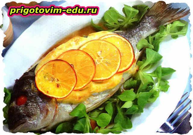 Фаршированная рыба, запеченная с апельсином