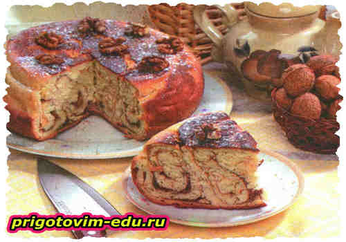Пирог дрожжевой с повидлом в мультиварке