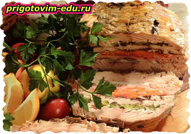 Слойка из горбуши с овощами