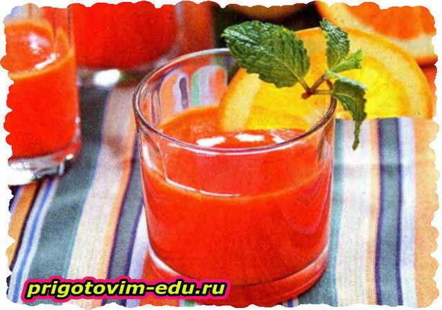 Сок из моркови с грушами и яблоками