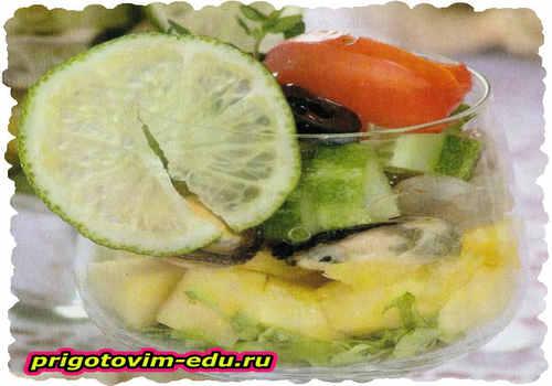 Фуршетная закуска из манго и овощей