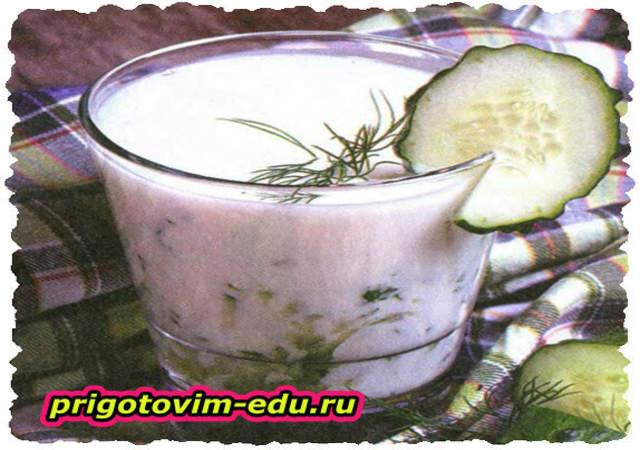 Холодный суп из йогурта и авокадо