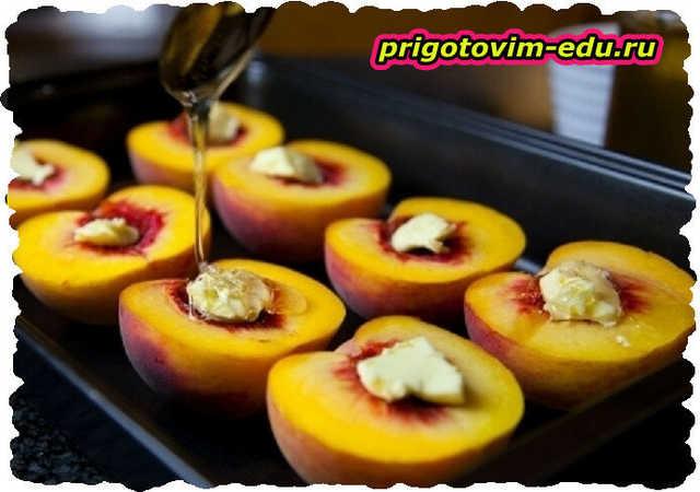 Персики запеченные с тимьяном