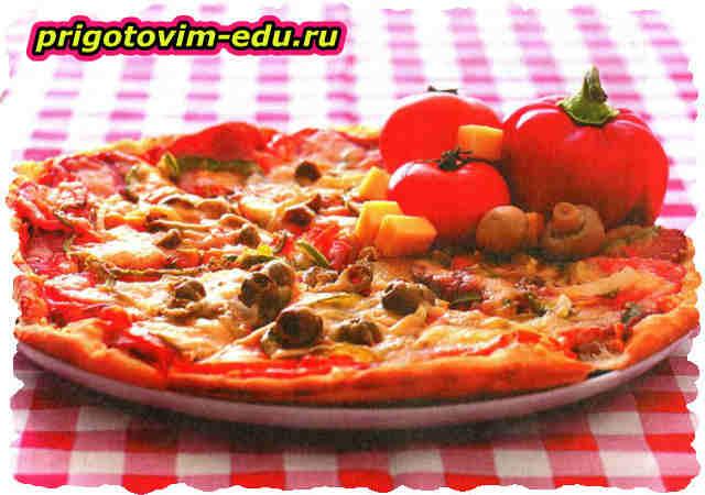 Пирог с помидорами, сыром и базиликом