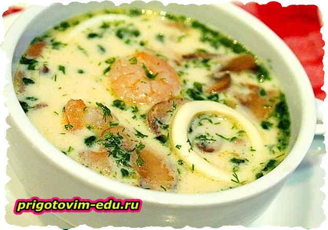 Суп с кальмарами и сыром