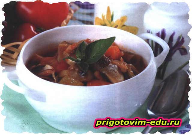 Томатный суп с баклажанами и грибами