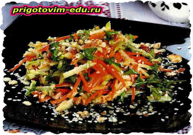 Салат из свежих овощей с медом