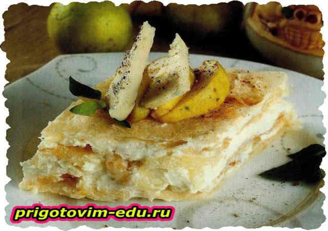 Торт из слоёного теста с сыром и грушами
