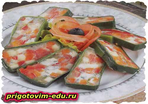 Сырная закуска с овощами
