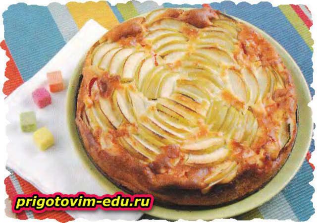 Яблочный пирог из дрожжевого теста