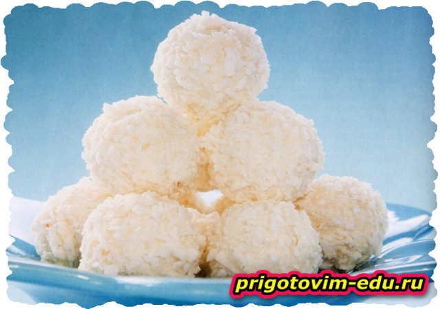 Кокосовые шарики с орехами