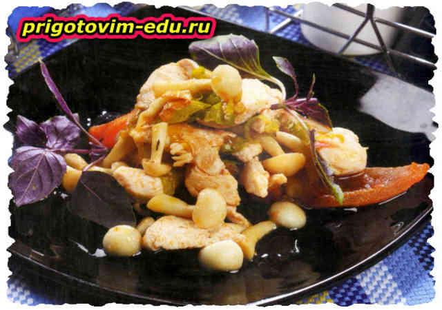 Куриное филе с грибами шимиджи