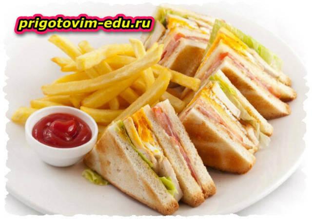 Сэндвич с курицей и баклажаном