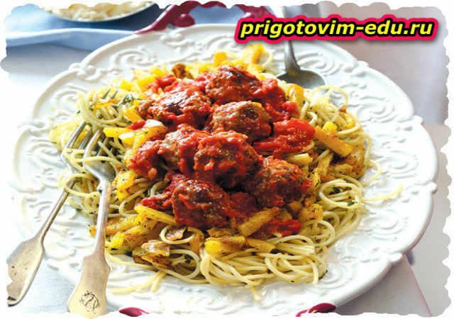 Спагетти с тыквой и мясными шариками