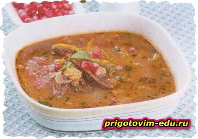 Суп из баранины с помидорами и перцем