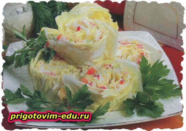 Творожный рулет из китайской капусты