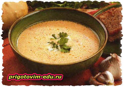 Тыквенный суп на сливках с копченой колбасой