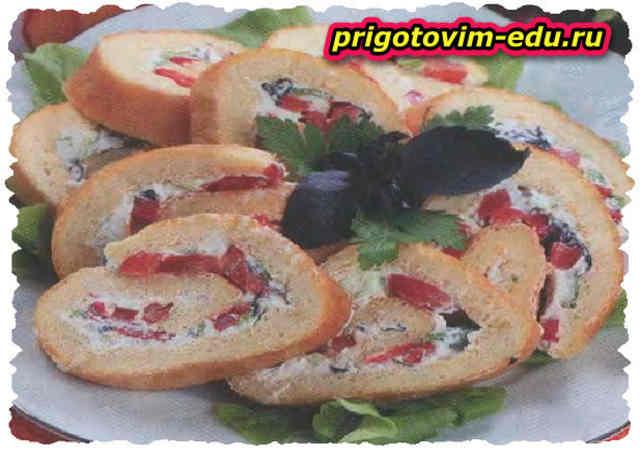 Яичный рулет с болгарским перцем