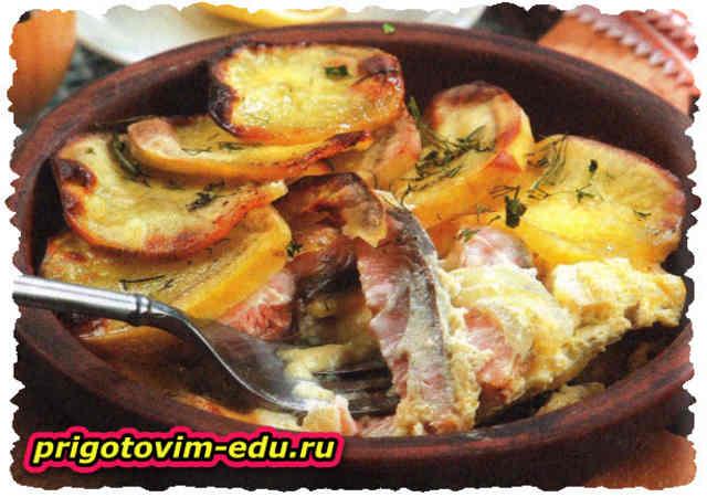 Запеканка из картофеля и копченой рыбы