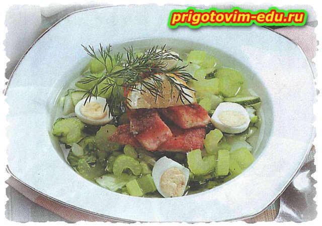 Холодный суп из рыбы с перепелиными яйцами