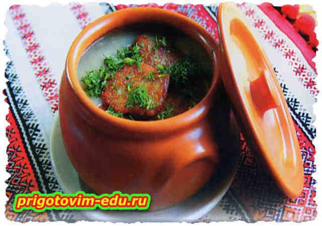 Суп грибной с оладьями в горшочке
