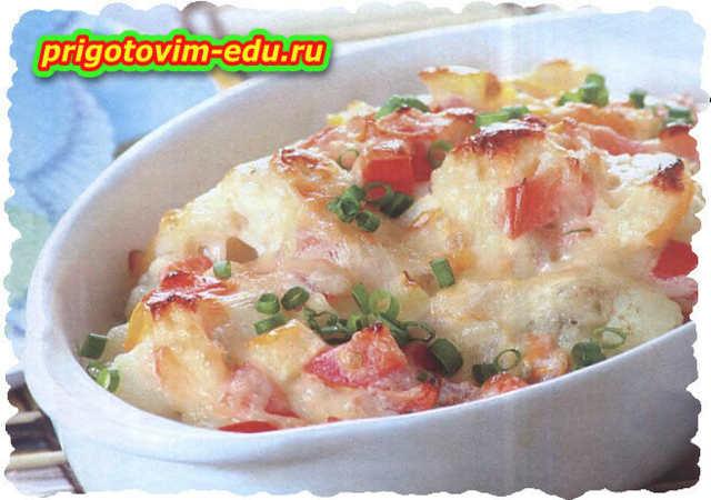 Запечённые помидоры с цветной капустой под сыром