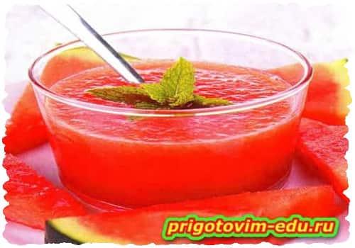 Пикантный фруктовый суп с фруктовым вином