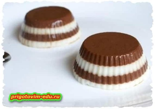 Шоколадно-сливочное желе с бисквитом
