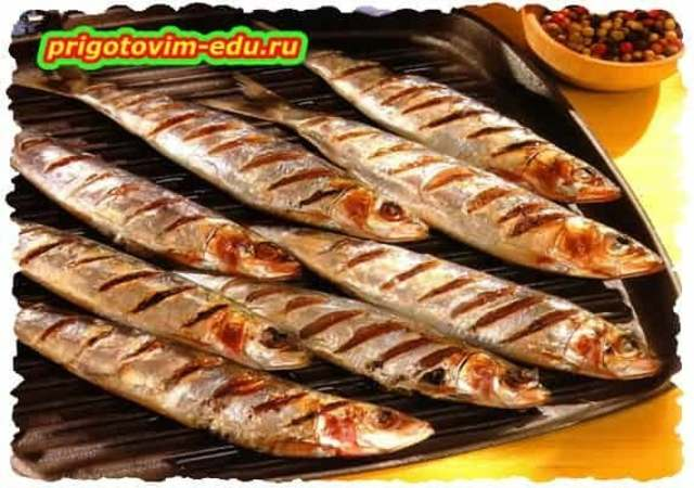 Сардины гриль с соусом