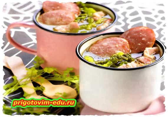 Суп с капустой кале и беконом