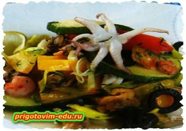 Овощное рагу с морепродуктами
