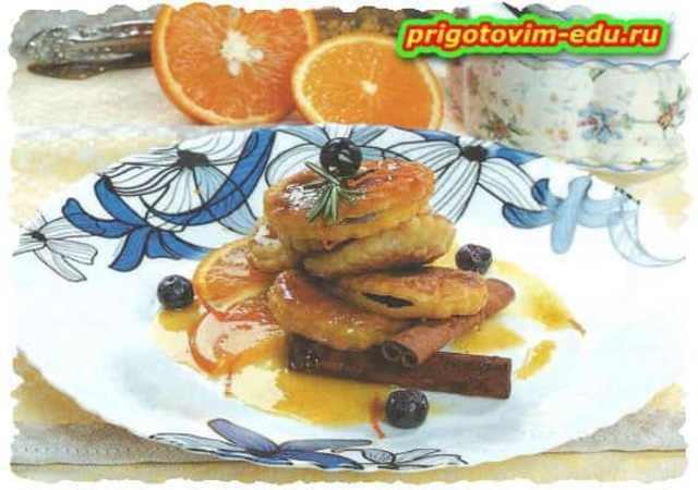 Равиоли с ягодами и соусом
