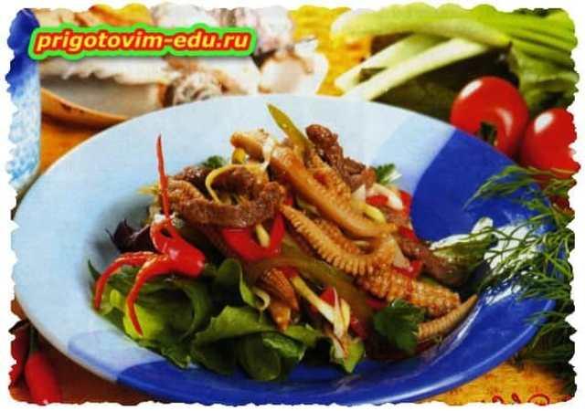 Салат из говядины с кукурузой и перцем