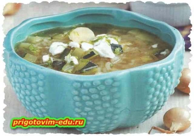 Луковый суп с сыром и рисом