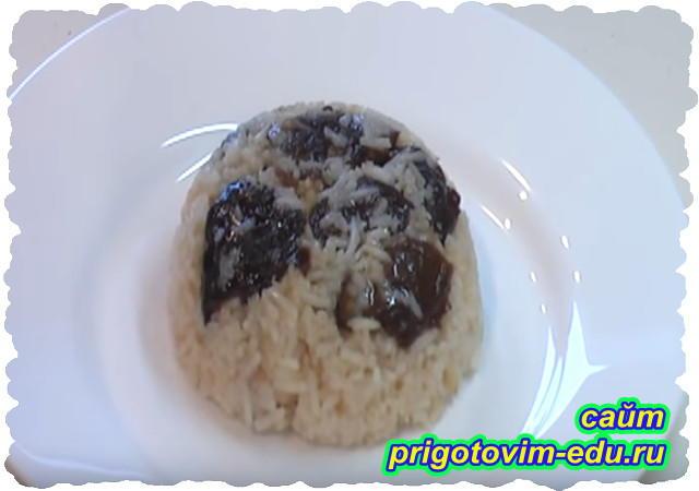 Рисовая каша с черносливом
