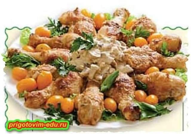 Жаренная курочка с грибным соусом