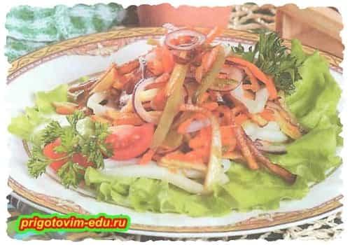 Картофельный салат с кальмарами