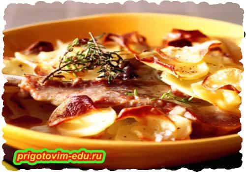 Баранина с жареным картофелем