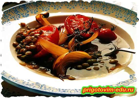 Чечевичный суп с запеченными помидорами