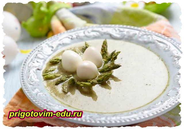 Суп пюре из цветной капусты с яйцом