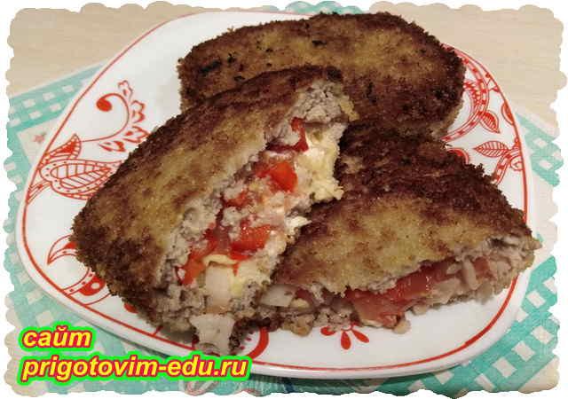 Котлеты из свинины с сыром и болгарским перцем