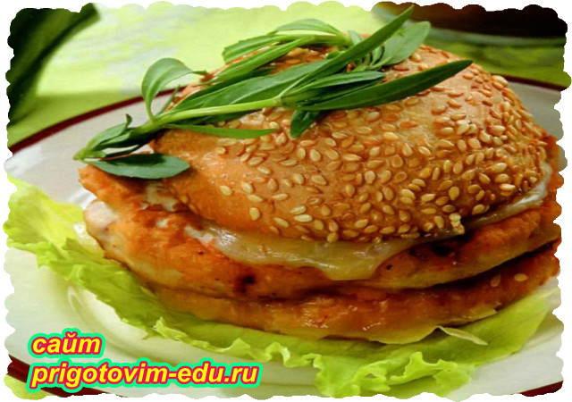 Чикенбургер с курицей в микроволновке