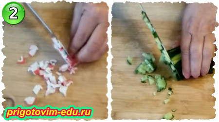 Как приготовить салат из крабовых палочек с рисом и кукурузой