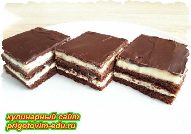 Бисквитный слоеный торт в шоколадной глазури. Видео рецепт