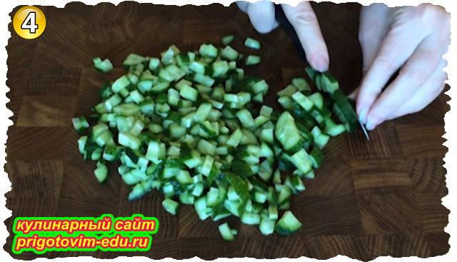 Как приготовить салат из пекинской капусты с кукурузой и крабовыми палочками